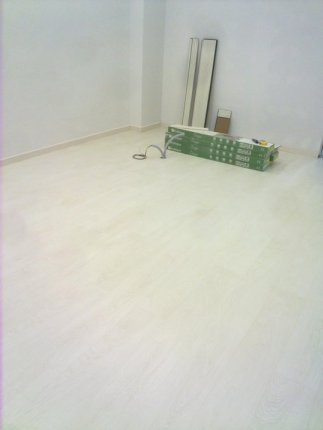 suelo laminado blanco beteado 2